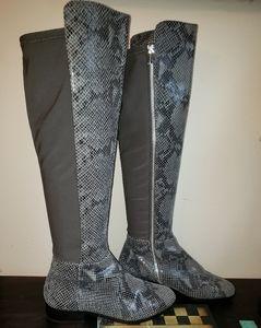 👢Michael Kors Tall Leather Snakeskin Print Boots